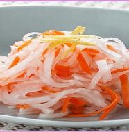 Red and White Salad 紅白なます おせち料理