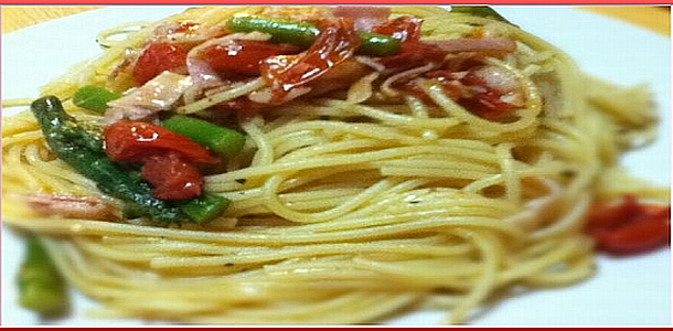 Spaghetti with Tomato and Asparagus